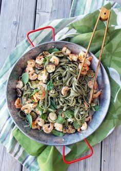 Shrimp Zucchini Spinach Pasta | Havocinthekitchen.com