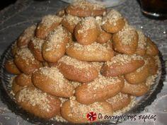 Cookpad - Make everyday cooking fun! Greek Sweets, Greek Desserts, Greek Recipes, My Recipes, Cooking Recipes, Favorite Recipes, Greek Cake, Greek Cookies, Greek Pastries