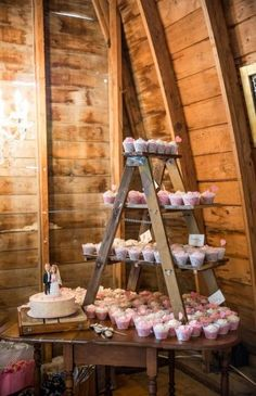 Rustic country wedding easy to whip smart wedding decor. Tip ref 1501972994 , rustic country wedding decorations image shared 20190506 Vintage Wedding Cupcakes, Rustic Cupcakes, Country Wedding Cupcakes, Wedding Cupcakes Display, Wedding Cupcake Table, Wedding Table, Simple Cupcakes, Wedding Country, Wedding Cup Cakes
