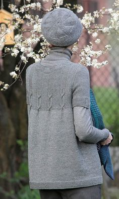 Smaragd by Svetlana Volkova kn Knitting Stiches, Sweater Knitting Patterns, Knitting Designs, Crochet Designs, Knitting Yarn, Knitting Projects, Hand Knitting, Wool Yarn, Crochet Fall