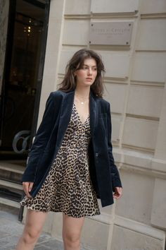 Velvet Blazer - Excess Only Casual Outfits, Fashion Outfits, Womens Fashion, Rihanna Style, Parisian Style, Autumn Fashion, Street Style, Style Inspiration, Poses