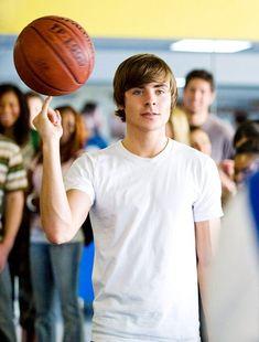 17 Again Movie, Zac Efron 17 Again, Bratt Pit, Zac Efron High School, Zac Efron Movies, Hight School Musical, Troy Bolton, Disney Channel Stars, Old Disney