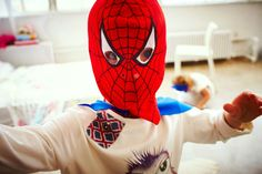 spiderman by mark andrews Kids Pop, Spiderman, Superhero, Hoodies, Sweaters, Fictional Characters, Fashion, Spider Man, Moda