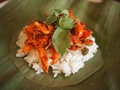 nasi kucing Indonesian Cuisine, Breakfast Menu, Recipe Of The Day, Fried Rice, Meals, Traditional, Food, Meal, Essen