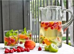 Hooked on trendy infused water recipes? If you find drinking plain water tasteless, infused water could change your outlook about healthy water intake. Concoct these simple infused water recipes fo… Sparkling Sangria, Sangria Mix, Sangria Party, Sangria Wedding, Sangria Punch, Summer Drinks, Fun Drinks, Summer Sangria, Juice Recipes