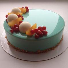 Turquoise Shine Cake by Olga