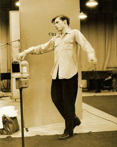 Glenn Gould.  http://www.tuesdaymusical.org