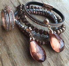 Bruine en rosé goudkleurige BIBA armbanden set, iXXXi ring en Camps & Camps oorbellen!