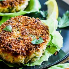 Classic Salmon Cakes are so tasty, they don't even need a sauce. A simple squeeze of lemon or lime does the trick for these fantastic Salmon Cakes. Shrimp Recipes, Salmon Recipes, Fish Recipes, Great Recipes, Recipies, Healthy Eating Tips, Healthy Recipes, Eating Clean, Keto Recipes