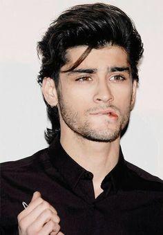 Zayn Malik / One Direction Zayn Mallik, Zayn Malik Pics, Niall Horan, Nicole Scherzinger, Liam Payne, Black Hair Brown Eyes, Ex One Direction, Lip Biting, Bae