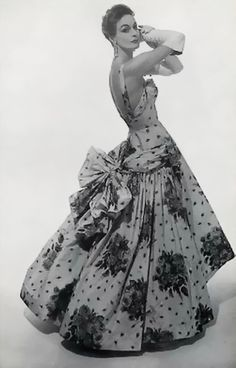 Ball gown by Maggy Rouff, 1954 - I wish this was in color it's so beautiful!