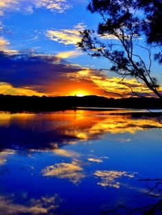 - been up early before - cleaning up and i was wiping stuff down in room so no dust - keep it clean! Amazing Sunsets, Beautiful Sunset, Amazing Nature, Beautiful Places, Beautiful Pictures, Landscape Photography, Nature Photography, Sunset Photos, Beautiful Landscapes