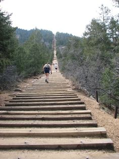 Hiking the Manitou Incline, CO Springs. 1 mile, and 2000 feet of elevation!?!?