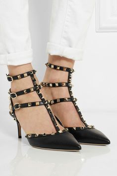 Rockstud textured-leather pumps.
