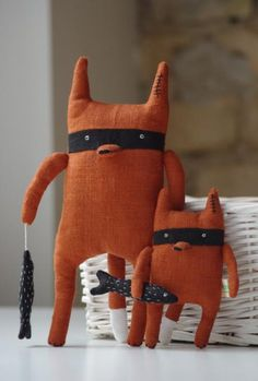 Bandit Fox 'Big Brother' by Adatine (etsy link but great inspiration... plus i love foxes~)