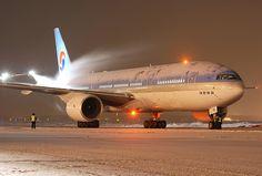 """""""Korean Air"""" B-777 HL7751"""