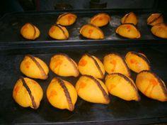 I could never make these, but they are so pretty and yummy :) Leyendas de la Salteña - Recetas de Cocina y Comida Boliviana