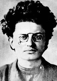 Leon Trotsky, c.1900: Russian Marxist revolutionary & theorist, Soviet politician, & Founder & First Leader of Red Army.  Born: November 7, 1879, Kirovohrad, Ukraine Full name: Lev Davidovich Bronshtein ~Assassinated: August 21, 1940, Coyoacán, Mexico http://2.bp.blogspot.com/_5mpqeJbEjqo/TNbKX8ImLQI/AAAAAAAABrY/jx5AWx_eLE4/s400/leontrotsky00.jpg