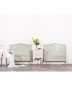 Cabecero Antiguo Restaurado Dean Vintage, Home Decor, Home, Painted Wood Headboard, Old Headboard, Solid Wood, Wood Head Boards, Antique Beds, Spring Green