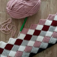 Best 12 Boost your creativity with this huge stitch library of knitting stitch patterns! Crochet Stitches Patterns, Crochet Designs, Stitch Patterns, Knitting Patterns, Crochet Crafts, Yarn Crafts, Crochet Projects, Diy Crafts, Tunisian Crochet