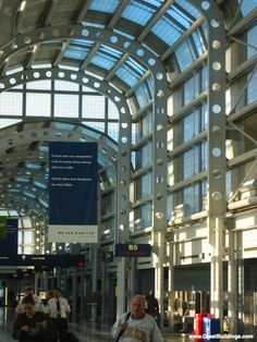 United Airlines Terminal O'Hare - Helmut Jahn