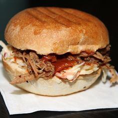 Pulled Pork Burger! Geräuchert ! @streetfoodmarket_graz #tütüburger #streetfood #streetfoodmarketgraz #pulledpork #foodgasm #foodpic #instafood #foodies #foodie #foodshot #foodstagram #instafood #photooftheday #picoftheday #testesser #graz #steiermark #austria