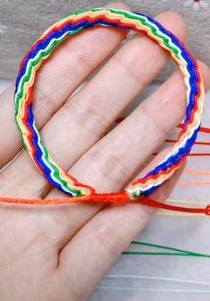 Diy Bracelets Patterns, Diy Friendship Bracelets Patterns, Diy Bracelets Easy, Bracelet Crafts, Rope Bracelets, Jewelry Crafts, Diy Bracelets With Beads, Making Bracelets, Diy Bracelet Designs
