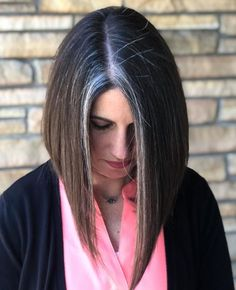 Transitioning to Gray Hair NEW Ways to Go Gray in 2020 – Hair Adviser - Going Gray Hair 2020 Grey Hair With Bangs, Grey Dyed Hair, Grey Hair Care, Pastel Blue Hair, Grey Ombre Hair, Dark Grey Hair, Dyed Blonde Hair, Long Gray Hair, Lilac Hair