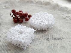 仕上げ待ちモチーフと桜 |Tiny Flowers* にゃんことてしごと ~猫とタティングレース~