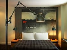 More from the Ace Hotel NY, design by Roman and Williams. Interior Desing, Interior And Exterior, Bedroom Colors, Bedroom Decor, Bedroom Setup, Bedroom Interiors, Hotel Interiors, Bedroom Lighting, Design Bedroom
