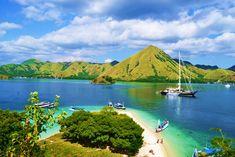 Pulau kelor Labuan, Komodo, Trekking, Tours, River, Outdoor, Outdoors, Hiking, Outdoor Living