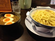 """RAMEN-TEI KOUMEN. Noodle you can select the """"Atsumori(hot)"""" or """"Hiyamori(cold)"""" famous. It is middle thick men into a thick soup that was effective seafood soup stock."""