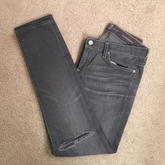 """7 For All Mankind Roxanne Skinny/straight fit with manufactured hole at the right knee. 7.5"""" rise, 30"""" inseam, 6"""" leg opening. Excellent condition. 7 for all Mankind Jeans Skinny"""