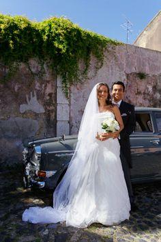 Carro dos noivos antigo. #casamento #noivos #carrovintage