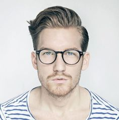 Guys with good hair and classy spectacles= my kinda guys;)