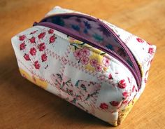 How to make a cute quilted cosmetic zippered boxy bag!
