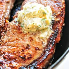 Skillet Steaks with Gorgonzola Herbed Butter Recipe -Add a Pinch Chicken Marinade Recipes, Pork Roast Recipes, Sauce Recipes, Oven Baked Salmon, Baked Salmon Recipes, Slow Cooker Roast Beef, Skillet Steak, Menu, Herb Butter