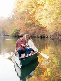 Fall lakeside engagement photo