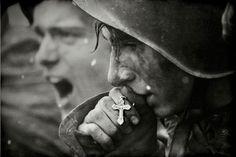Un soldado soviético antes de la batalla de Kursk. Una de las más importantes y decisivas durante la Segunda Guerra mundial. (Reconstrucción de la fotografía que yace en los archivos de guerra).