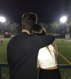 °ʟᴀ ᴀᴍɪsᴛᴀᴅ ᴇs ᴛᴀɴ sᴏʟᴏ ᴜɴᴀ ᴍᴀɴᴇʀᴀ ᴅᴇ ᴄᴏᴍᴇɴᴢᴀʀ ʟᴏ ǫᴜᴇ ᴘᴏᴅʀíᴀ sᴇʀ ᴇʟ ᴠ… # Fanfic # amreading # books # wattpad Cute Couples Photos, Cute Couple Pictures, Cute Couples Goals, Romantic Couples, Couple Tumblr, Tumblr Couples, Couple Goals Relationships, Relationship Goals Pictures, Relationship Games