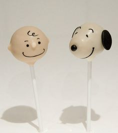 Charlie Brown and Snoopy Cake Pops. They're cute but not sure if I can eat Charlie Brown & Snoopy lol Snoopy Birthday, Snoopy Party, 4th Birthday, Cake Pops, Cake Truffles, Cupcake Cookies, Charlie Brown Y Snoopy, Snoopy Cake, Peanut Cake