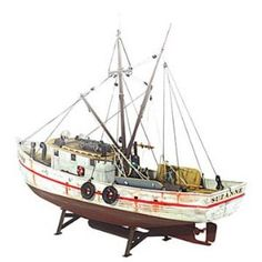 """Forest Gump"" style Shrimp Boat Model."