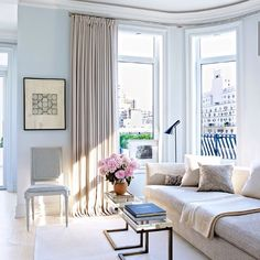 """orlandocustomhomebuilders: """" (via Architectural Digest: Modern Living Room) Arranged in a sitting area in a Manhattan apartment are a Jonas sofa, a pair of Gabriella Crespi occasional tables, a custom-made side chair, and a vintage Arne Jacobsen. Inspiration Design, Decoration Inspiration, Living Room Inspiration, Living Room Designs, Living Room Decor, Living Spaces, Dining Room, New York City Apartment, Apartment Living"""