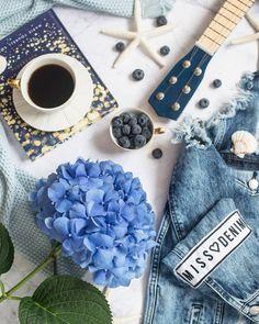 Don't be afraid to amaze yourself!!! Uciekłam z miasta na wieś. Siedzę pod koronami drzew i planuje przyszly tydzień. I na @rie.world i na Kolekcjonerka.pl czekają na Was fajne wpisy. Także zapraszam! #hortensje #hortensja #coffeelover #missdenim #gitara #guitar #hygge #decor #dekoracja #flower #flowers #denim #jeans #kawa #dzieńdobry #scandi #scandinavian #blueflower #zarahome #rozgwiazdy #borowki
