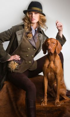Supposed to meet Elspeth and go riding. Wonder if Giles & I are on the wrong floor reception room. Equestrian Outfits, Equestrian Style, British Country Style, Hungarian Vizsla, Weimaraner, Vizsla Dog, Vizsla Puppies, Global Style, Country Fashion