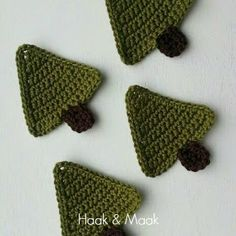 No pattern, just pic to copy Easter Crochet, Diy Crochet, Crochet Crafts, Crochet Projects, Simple Christmas, Christmas Time, Christmas Crafts, Noel Gifts, Crochet Bunting