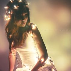 fairy-lights-girl-pretty-Favimcom-447680_zpsb2886e1c.jpg