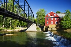 The famous War Eagle Mill was built in 1832 and has been destroyed and rebuilt three times, yet it's still in operation today. During the fall, the town hosts an elaborate craft fair that DIY lovers won't want to miss.