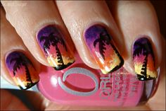 Pretty palm tree design with gradient nails. Gradient created with Orly Blushing Bud, Wild Wisteria, Lemonade, Essence Sun Downer, Essence Fatal. Stamping with Konad m29