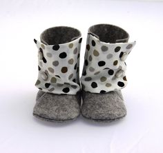 BABY BOOTIES Boy and Girl - 100% Felt and Cotton - Grey, beige, brown and black dots by fromanawithlove on Etsy https://www.etsy.com/listing/112666032/baby-booties-boy-and-girl-100-felt-and